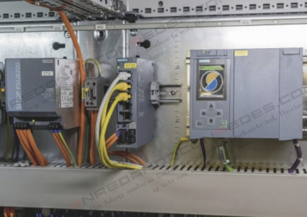 Siemens Scalance S615 and S7-1500